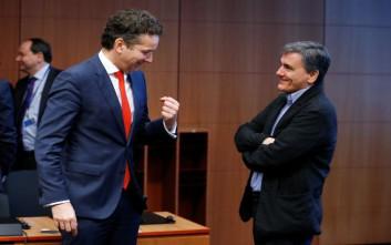 Σε χαμηλά διετίας οι αποδόσεις των ελληνικών ομολόγων μετά το Eurogroup