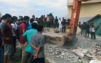 Τουλάχιστον ένας νεκρός από τον σεισμό στην Ινδονησία