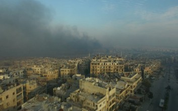 Οι ΗΠΑ βομβαρδίζουν ανελέητα την Ράκα