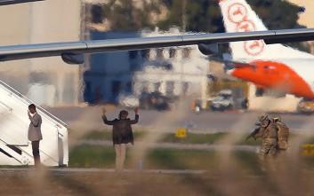 Οι δύο αεροπειρατές με χειροβομβίδες και η πίστη στον Καντάφι
