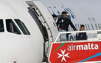Ελεύθεροι 109 επιβάτες, συνεχίζεται το θρίλερ της αεροπειρατείας