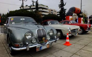 Πανέμορφα ιστορικά αυτοκίνητα δίνουν ραντεβού στο Καλλιμάρμαρο
