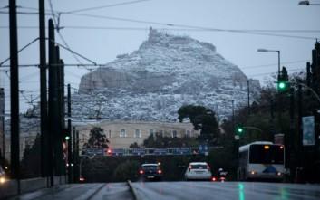Σε αυξημένη ετοιμότητα αστυνομία και πυροσβεστική λόγω χιονιά