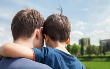 Μεγαλύτεροι σε ηλικία μπαμπάδες, μεγαλύτερα προβλήματα υγείας για τα παιδιά