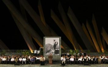 Ο όρκος του Ραούλ Κάστρο μπροστά στο λείψανο του Φιντέλ