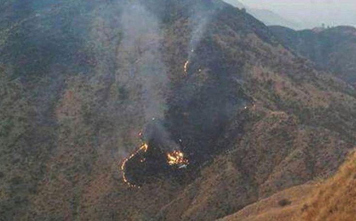 Δεν επέζησε κανείς από τη συντριβή αεροπλάνου στο Πακιστάν