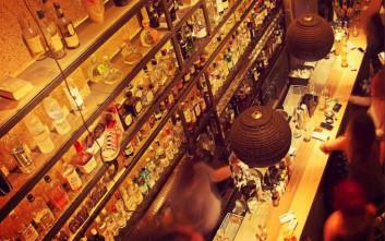 Dude bar, για ποτό σε ένα από τα πιο καθαρόαιμα bar της Αθήνας