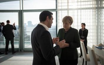 Μέρκελ σε Τσίπρα: Η στήριξη της Γερμανίας είναι σαφής και δεδομένη