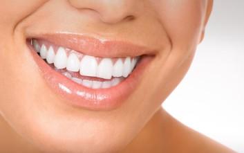Αποκτήστε λαμπερό χαμόγελο με αλόη