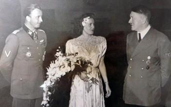 Η άγνωστη φωτογραφία με τον Χίτλερ σε γάμο αξιωματούχου των SS