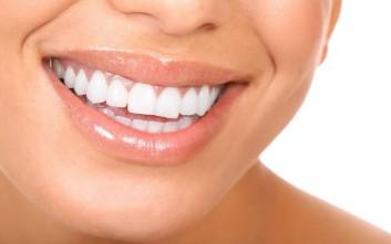 Ενεργειακά ποτά: Οι επιπτώσεις από την κατανάλωσή τους στα... δόντια