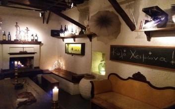 Τις Παρασκευές στο Isidora Galley bar μυούμαστε στον κόσμο του κρασιού
