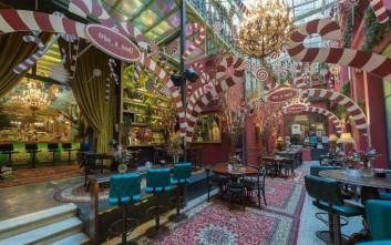 Ποια cafe της Αθήνας σας μυούν στη μαγεία των Χριστουγέννων