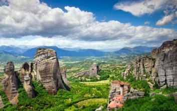 Αποδράσεις χαμηλού κόστους για το τριήμερο των Φώτων σε ελληνικούς προορισμούς