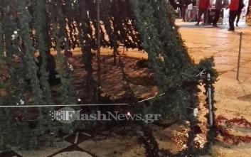 Προσπάθησαν να βάλουν φωτιά στο χριστουγεννιάτικο δέντρο στα Χανιά