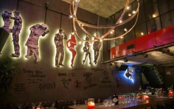 Lola's Bar, το στέκι που καθιέρωσε σε προορισμό διασκέδασης την Τρούμπα