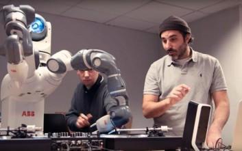Ένα ρομπότ σε ρόλο... DJ