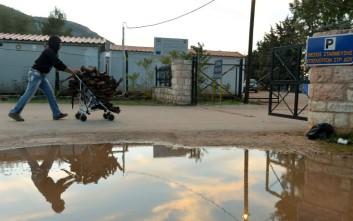 Οικίσκοι αντί για σκηνές στη δομή προσφύγων στη Μαλακάσα