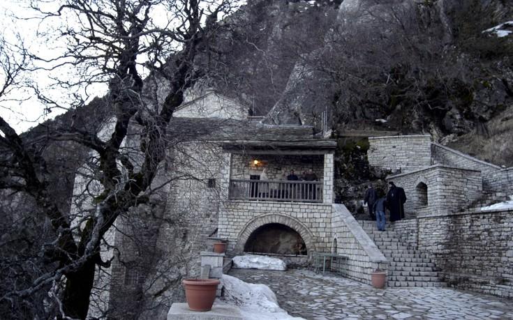 http://www.newsbeast.gr/files/1/2016/12/pelekiti6.jpg