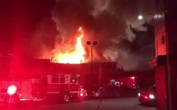 Άγνωστος ο αριθμός των αγνοουμένων από τη φωτιά σε αποθήκη στην Καλιφόρνια