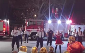 Οι πυροσβέστες του Λιτόχωρου σε χριστουγεννιάτικη διάθεση