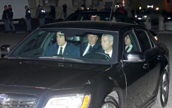 «Παγώνει» η παραίτηση Ρέντσι με αίτημα του Ματαρέλα
