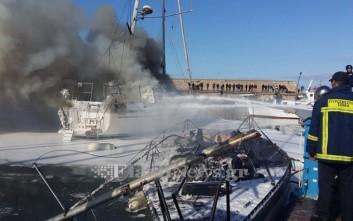 Κάηκαν δύο σκάφη στο λιμάνι του Ηρακλείου