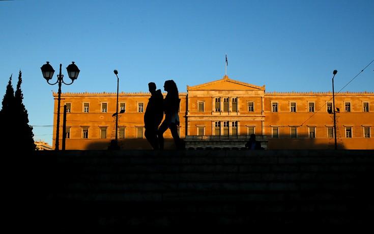 «Φρένο» στις παροχές βάζει το Γραφείο Προϋπολογισμού της Βουλής