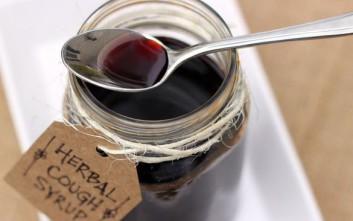 Πώς να φτιάξετε σπιτικό σιρόπι για τον βήχα