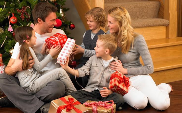 Δέκα λόγοι να αγαπάτε τις γιορτές εάν είστε γονείς