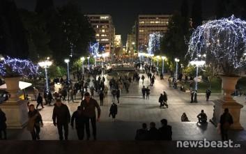 Ξεκίνησαν οι εκδηλώσεις φωταγώγησης στην πλατεία Συντάγματος