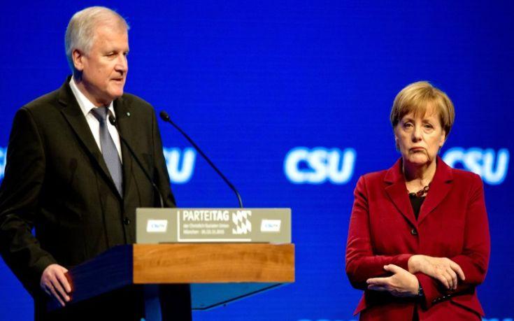 Η γερμανική κυβέρνηση «αδειάζει» τον Ζεεχόφερ για το Brexit