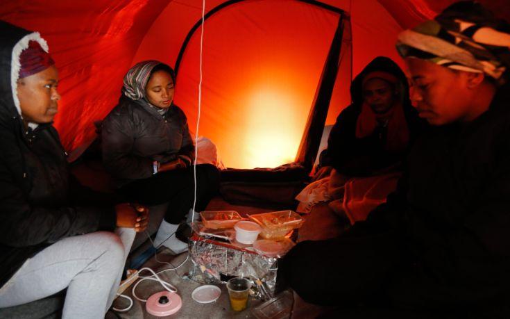 Χωρίς προοπτική οι πρόσφυγες στην Ελλάδα
