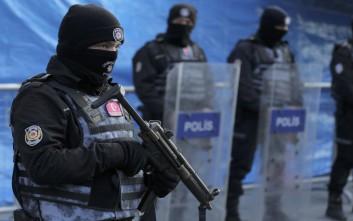 Πάνω από 4.000 δικαστές και εισαγγελείς έχει θέσει εκτός ο Ερντογάν