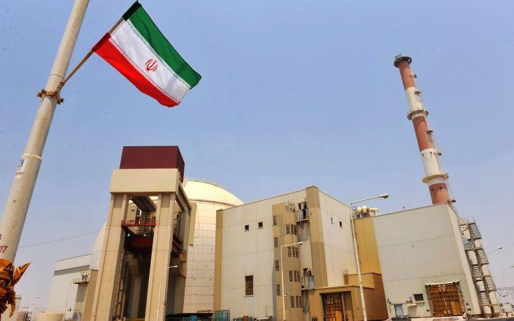 Με επανέναρξη του πυρηνικού προγράμματος απειλεί το Ιράν
