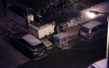 Πέφτει χιόνι και στο κέντρο της Αθήνας