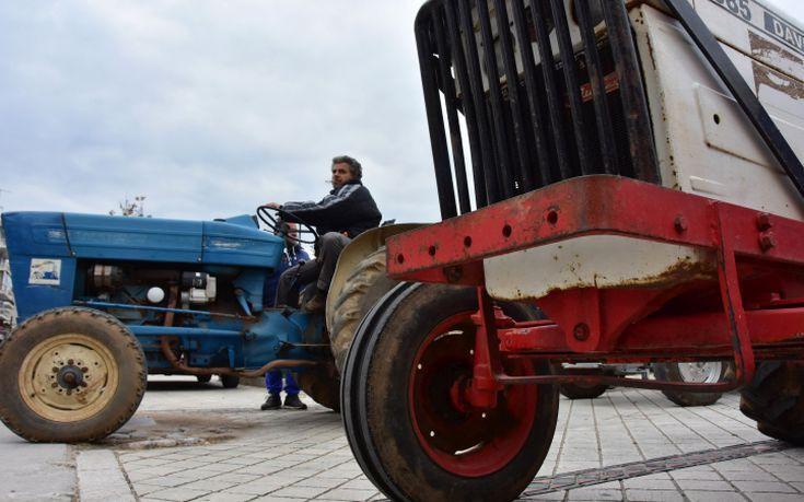 Με τα τρακτέρ στο κέντρο της Βέροιας οι αγρότες