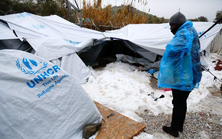 Τραγωδία χωρίς τέλος στη Μόρια με νεκρούς και δηλητηριασμένους από μαγκάλια