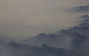 Τοπίο στην ομίχλη η Κίνα