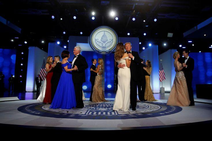 Image result for εικόνες χορός του τραμπ