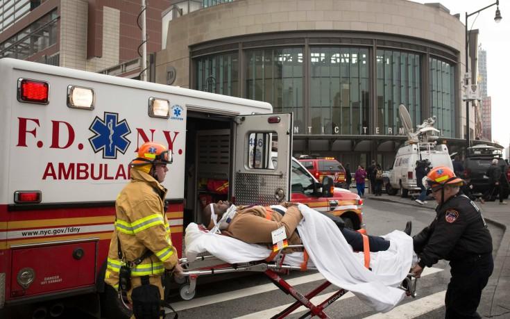 Εκτροχιασμός τρένου στη Νέα Υόρκη με περισσότερους από 100 τραυματίες