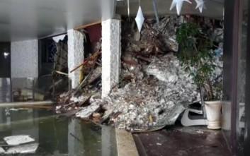 Η σοκαριστική πρώτη εικόνα μέσα από το ιταλικό ξενοδοχείο που θάφτηκε στο χιόνι