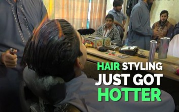 Η… καυτή τεχνική κουρέματος στο Πακιστάν