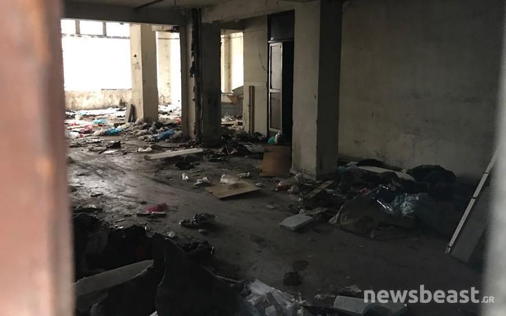 Το εγκαταλελειμμένο ξενοδοχείο στην Ομόνοια όπου πέθανε ο 40χρονος τοξικομανής