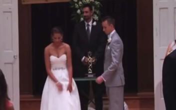 Η μοναδική έκπληξη της νύφης στον γαμπρό