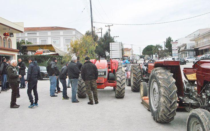 Βγήκαν τα τρακτέρ στην πόλη της Ζακύνθου