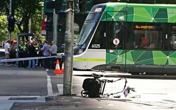 Βρέφος τριών μηνών είναι το πέμπτο θύμα του οδηγού που έπεσε με το ΙΧ του σε πεζούς