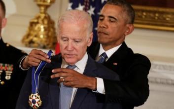 Μετά τον Ομπάμα ήρθε η σειρά του Μπάιντεν να κλάψει