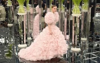 Οι νέες δημιουργίες του Καρλ Λάγκερφελντ για τη Chanel
