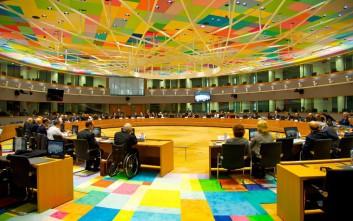 Πρόγευση μέτρων στο Euro Working Group μετά τις απειλές Σόιμπλε για Grexit